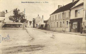 carte postale Bézu Saint Germain (place de la mairie)