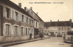 carte postale Bézu Saint Germain (la mairie)